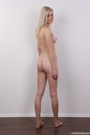 Young seductive blonde beauty has sexy s - XXX Dessert - Picture 17