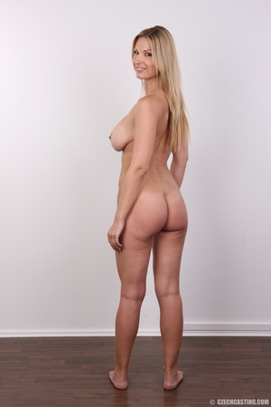 Delicious looking sexy blonde with big j - XXX Dessert - Picture 25