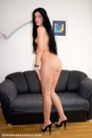 Horny black haired slut with lusciously  - XXX Dessert - Picture 5