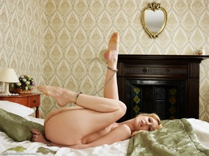 Blonde cute nude damsel on bed with legs - XXX Dessert - Picture 7