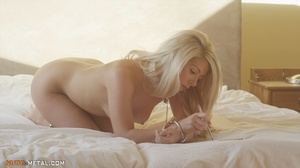 Kinky cute nude blonde chained with cuff - XXX Dessert - Picture 9