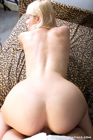 Magnifcent blonde babe with lusciously f - XXX Dessert - Picture 14