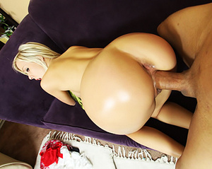 Hot blonde beauties displaying their gor - XXX Dessert - Picture 1