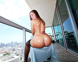 Brunette beauty with insanely formed boo - XXX Dessert - Picture 3