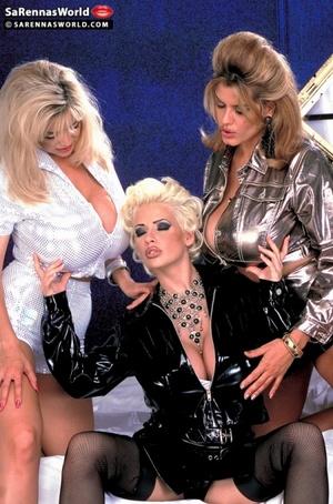 Classy blonde milfs exposing their magni - XXX Dessert - Picture 5