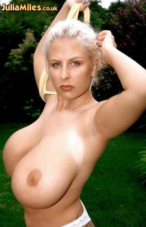 Dressy blonde milfs exposing their massi - XXX Dessert - Picture 2