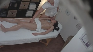 Tall cute chick getting a massage gets a - XXX Dessert - Picture 13