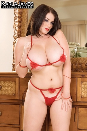 Dressy black haired beauty exposing her  - XXX Dessert - Picture 8
