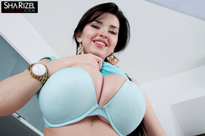 Busty brunette babe showes her amazing b - XXX Dessert - Picture 13