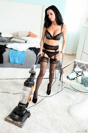 Big-titted sexy milf in stockings and li - XXX Dessert - Picture 2