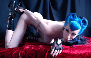 These goth sluts love to display their gorgeously formed body. - XXXonXXX - Pic 4