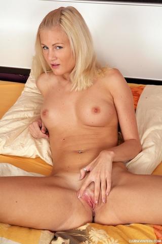 nikita blondes