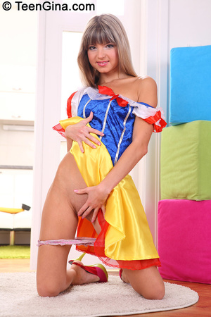 Slutty teen in Snow White's dress fucks  - XXX Dessert - Picture 2