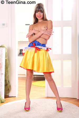 Slutty teen in Snow White's dress fucks  - XXX Dessert - Picture 5
