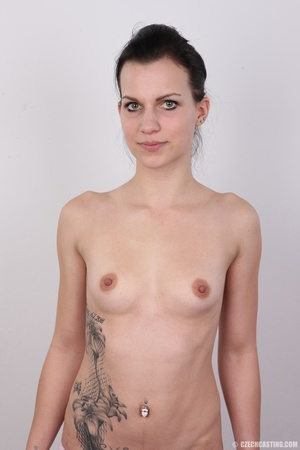Hot eyes slim brunette with sexy tattoos - Picture 11