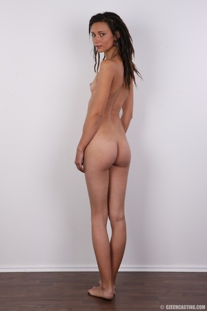 Dreadlocked slim beauty with small tits, - Picture 17