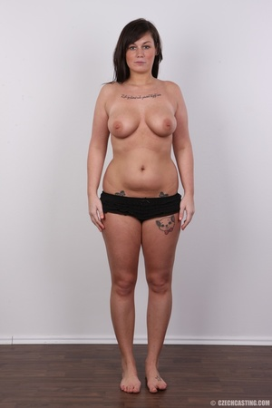 Sexy chubby big tits curvy chick shows b - XXX Dessert - Picture 9