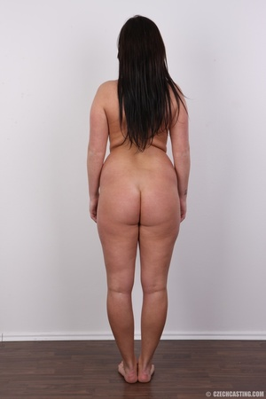 Sexy chubby big tits curvy chick shows b - XXX Dessert - Picture 16