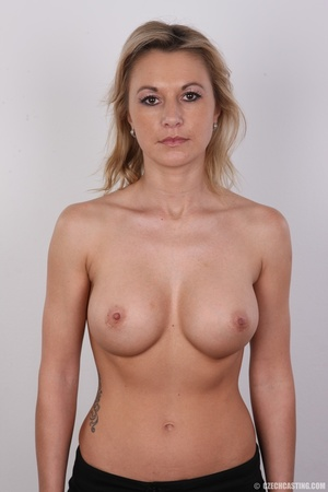 Slim blonde lady with amazing big and er - Picture 7