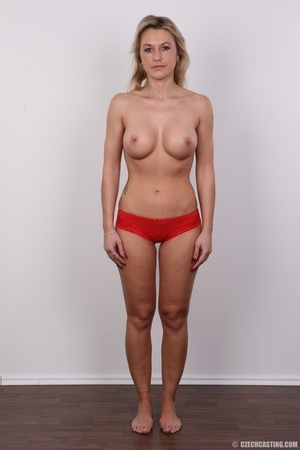 Slim blonde lady with amazing big and er - Picture 10