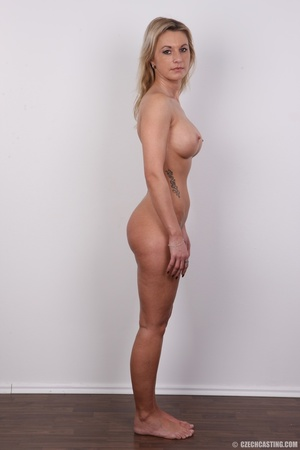 Slim blonde lady with amazing big and er - Picture 15