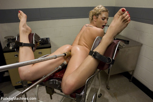Sweet automated fucking as blonde gets f - XXX Dessert - Picture 14