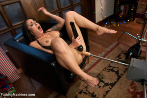 Sexy chick experiences loud orgasms as s - XXX Dessert - Picture 4