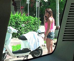 Shy teen gals turn into sluts when wants some free car lift - XXXonXXX - Pic 2