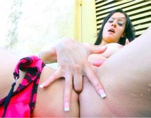 Sizzling hot brunette in pink bra loves  - XXX Dessert - Picture 2