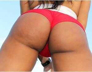 Sizzling hot brunette in red bikini suck - XXX Dessert - Picture 1
