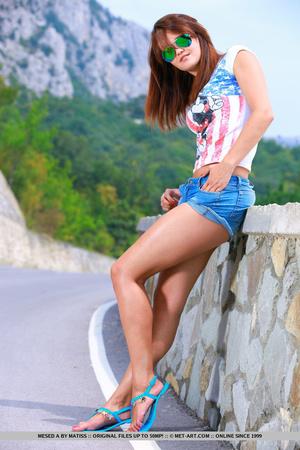 Sexy European girl reveals her tan lines - XXX Dessert - Picture 2
