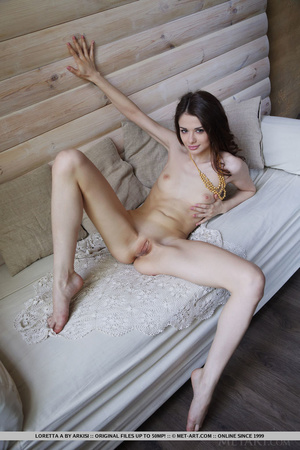 Seductive young girl enjoys luxurious li - XXX Dessert - Picture 10