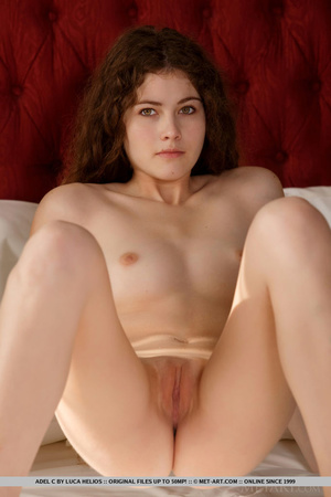 Lovely young redhead seduces with natura - XXX Dessert - Picture 15