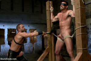 Slave man gets tied down, scalded with h - XXX Dessert - Picture 3