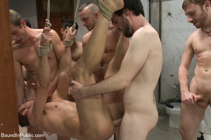 Guys sucks feet and cocks of horny dudes - XXX Dessert - Picture 6