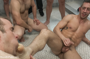 Guys sucks feet and cocks of horny dudes - XXX Dessert - Picture 11