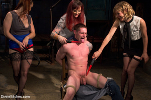 Three hot bitches queen over lucky guy r - XXX Dessert - Picture 4