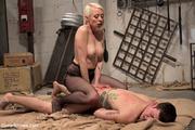 hot queen blonde bounds