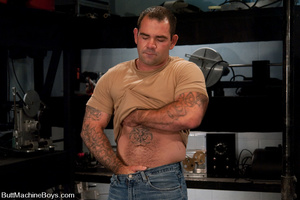 Muscled tattooed dude moans as his butth - XXX Dessert - Picture 1