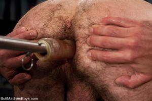 Muscled tattooed dude moans as his butth - XXX Dessert - Picture 4