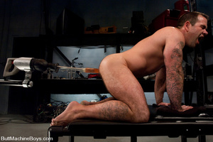 Muscled tattooed dude moans as his butth - XXX Dessert - Picture 6