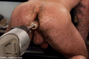 Muscled tattooed dude moans as his butth - XXX Dessert - Picture 7