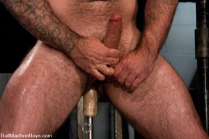 Muscled tattooed dude moans as his butth - XXX Dessert - Picture 10