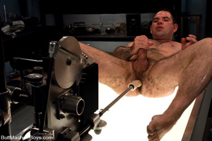 Muscled tattooed dude moans as his butth - XXX Dessert - Picture 14