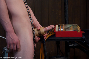 Young stud use machine on dick and then  - XXX Dessert - Picture 3