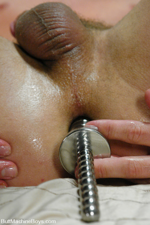 Cute dude with big dick wanks his cock a - XXX Dessert - Picture 8