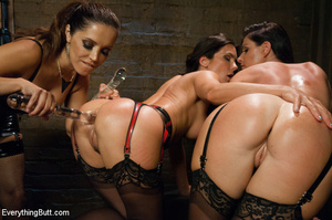 Butts squirting as three girls penetrate - XXX Dessert - Picture 3