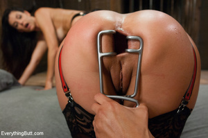 Butts squirting as three girls penetrate - XXX Dessert - Picture 5