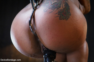 Cute tattooed ebony girl clipped in tits - XXX Dessert - Picture 6