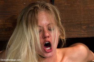 Guy binds sexy blonde, clips her pussy a - XXX Dessert - Picture 2